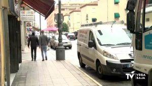 Recogida de firmas para mantener el aparcamiento en la Avenida Duque de Tamames de Orihuela