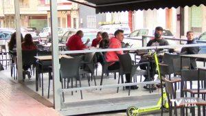 Torrevieja estudia el corte de calles para ampliar las terrazas durante verano