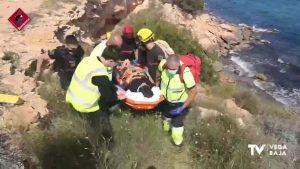 Desprendimiento de roca en Punta Prima: rescatan a una mujer al caer desde una altura de 5 metros