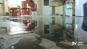 Una familia de Callosa de Segura convive con un manantial de aguas fecales en casa