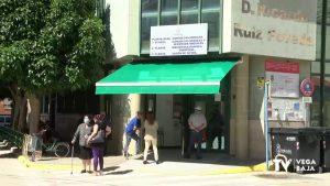 Vuelven las colas a las puertas de los centros de salud