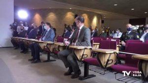 Ximo Puig apuesta en Orihuela por la industria agroalimentaria con el agua en segundo plano