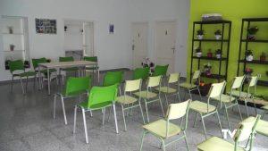 ADIS recibe 9.760 euros de La Caixa para mejorar su Centro Especial de Empleo en Benejúzar
