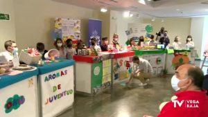 Los alumnos del colegio Manuel Riquelme de Hurchillo se ponen en la piel de los comerciantes