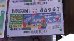 La ONCE muestra su apoyo a la hostelería en Torrevieja