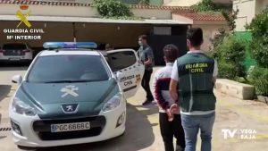 Dos detenidos por 60 robos cometidos en coches aparcados en entornos naturales de la Vega Baja
