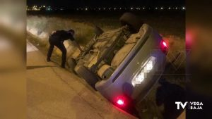 Un coche vuelca en Pilar de la Horadada y el conductor acude por su propio pie al centro de salud
