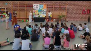 Los alumnos del colegio Miguel Hernández diseñan un folleto turístico de la ciudad de Orihuela