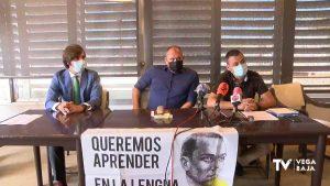 1.000 familias de la Vega Baja acuden a la justicia para mostrar su rechazo al plurilingüismo