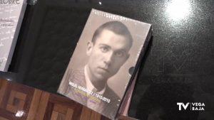 El Instituto Juan Gil-Albert dona más de 350 libros a la biblioteca de la Fundación Miguel Hernández
