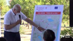 """La Vega Baja recupera la antigua vía ferroviaria de San Isidro-Torrevieja con el """"Tren de la Sal"""""""
