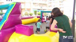 Juegos infantiles en la Glorieta de Cox con motivo de las fiestas patronales