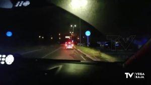 Así procede la Policía Local a parar un vehículo en la carretera