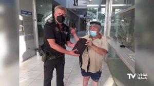 Un vecino de Pilar de la Horadada encuentra un bolso con más de 500 euros y lo entrega a la policía