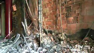 Arde el cuadro eléctrico de un edificio céntrico de Orihuela sin dejar heridos