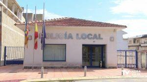 Un hombre recibe asistencia en el Hospital Vega Baja por lesiones graves en la cara tras una pelea