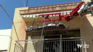 Rescate titánico para sacar de una vivienda de Torrevieja a un hombre con obesidad mórbida