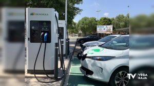 Pilar de la Horadada ya tiene tres puntos de recarga rápida para vehículos eléctricos