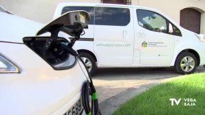 Orihuela incorpora dos vehículos eléctricos para la recogida de Residuos Sólidos Urbanos