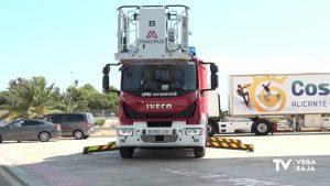 El Parque de Bomberos de Torrevieja incorpora un nuevo camión para rescates de altura