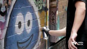 Benejúzar muestra a los jóvenes los riesgos del alcohol a través del arte urbano