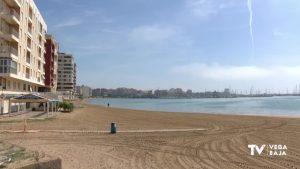 Fallece una mujer ahogada en un playa de Torrevieja y un hombre es asistido en Cala Capitán