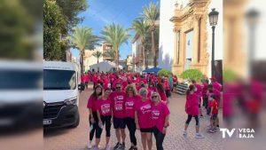 800 personas de la Vega Baja se dan cita en la 1º Marcha Solidaria Dolores contra el Cáncer de Mama