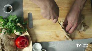 Seis amas de casa de San Fulgencio hacen posible un recetario sobre la gastronomía local