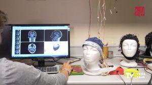 Un estudio de la Universidad Miguel Hernández logra que una persona ciega detecte formas y letras