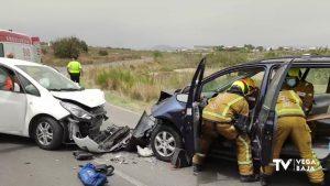 Los Bomberos excarcelan al conductor de un vehículo tras accidente en San Miguel de Salinas